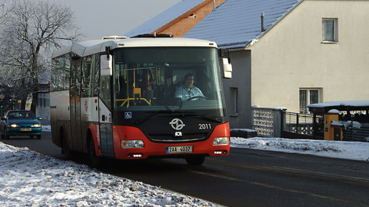 V pražské MHD musí mít cestující ochranu nosu a úst, autobusy budou zastavovat ve všech zastávkách na znamení a provoz 38 linek DPP bude ukončen ve 22:30