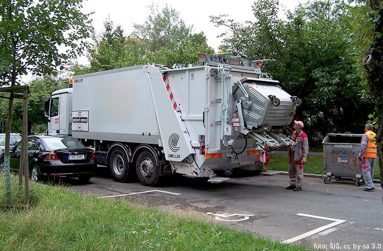 """Závěrečnou zprávu projektu """"Chytrý svoz odpadu"""" rada schválila, úspěšný projekt bude pokračovat"""