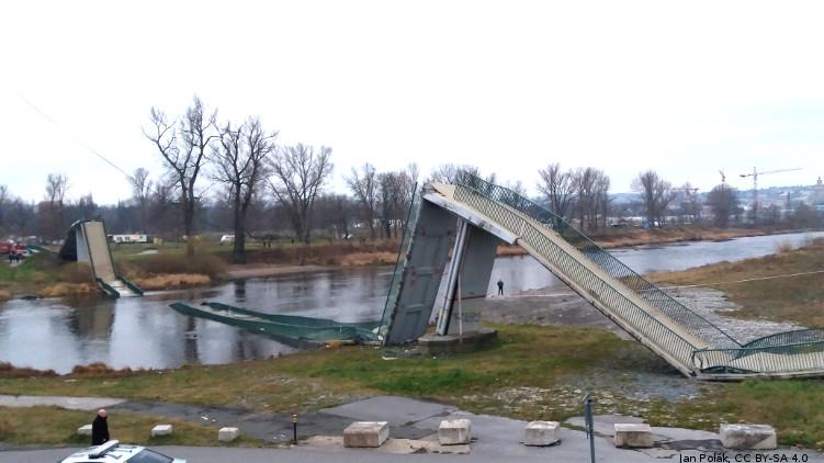 Pád Trojské lávky: TSK dlouhodobě neřešila špatný stav mostů