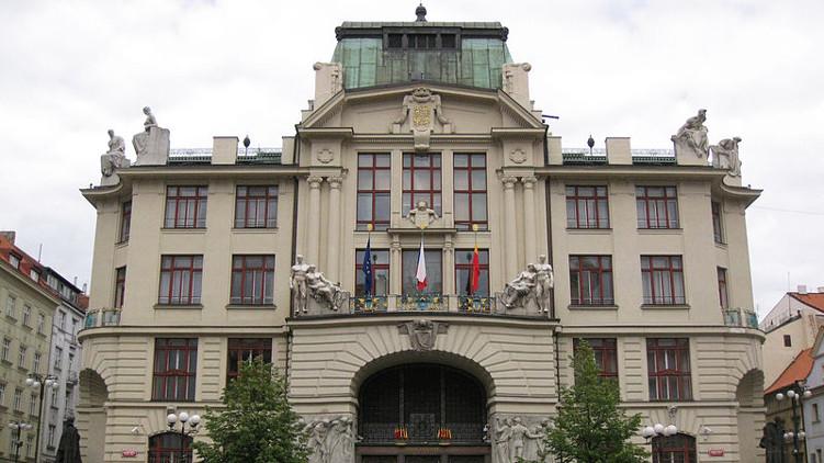 Stát vzal Praze 3 miliardy korun bez jediného upozornění
