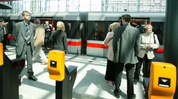 Praha na SMS jízdenkách tratí 40 milionů ročně