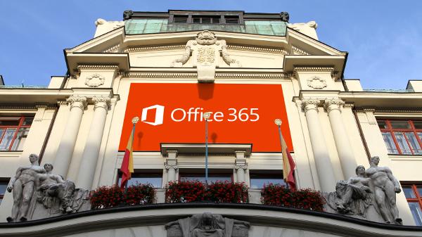 Praha zbytečně utrácí 17 milionů za produkty Microsoftu.