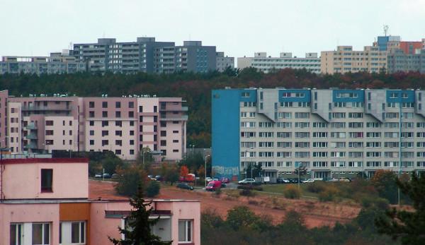 Nový statut fondu sociálního bydlení umožňuje utratit 3 miliardy korun bez kontroly zastupitelstva