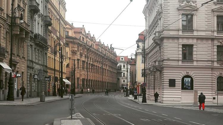 Stanovisko zastupitelského klubu Pirátů k uzavírce Smetanova nábřeží/Malé Strany