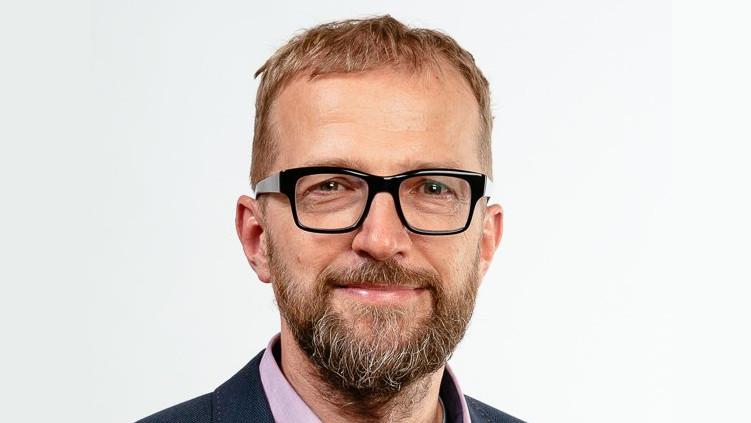 Piráti jdou příkladem: Vladimír Šraier vyvodil osobní odpovědnost za pořízení služebního telefonu a rezignoval na post v dozorčí radě Trade Centre Praha, a. s.