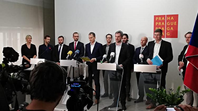 Nová koalice pro pražský magistrát představuje své programové prohlášení. Dominuje doprava a dostupné bydlení v metropoli