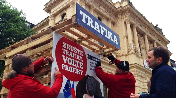 Konec trafik v Praze v nedohlednu? Návrh nominačních pravidel od Pirátů pražská Rada ignoruje.