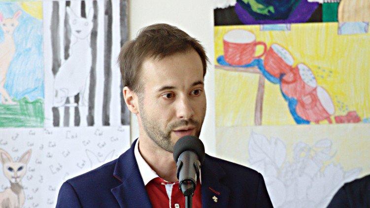 Březen Víta Šimrala: Návštěvy a kontroly pražských škol, technické vzdělávání ale i inovace kosmických technologií