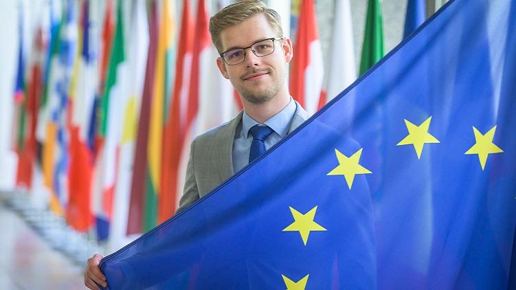 Evropská rada dosáhla důležitého kompromisu ohledně Fondu obnovy. Chybou je však snížení investic do výzkumu či zdravotnictví a hrozba zneužití peněz