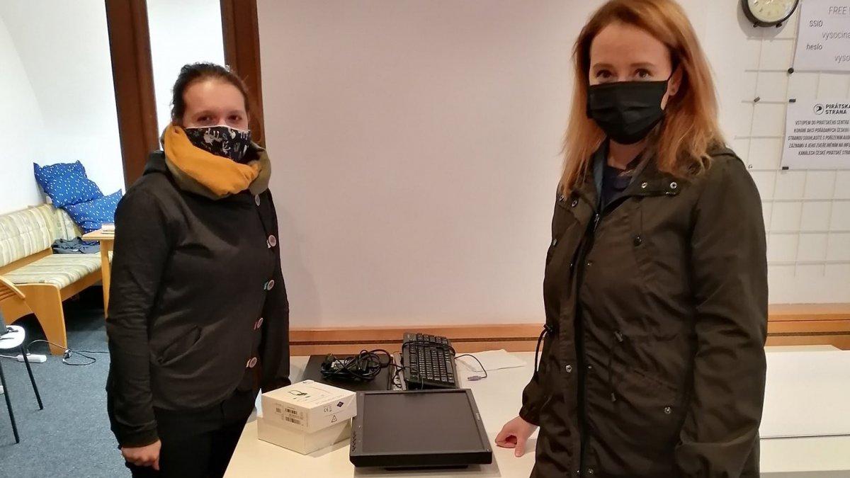 Sbírka počítačů pro děti - Díky darům Piráti na Vysočině pomohli deseti rodinám