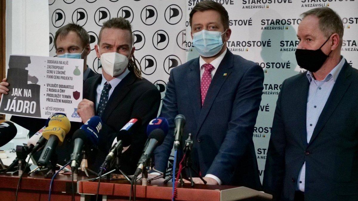 Piráti a Starostové předložili premiérovi požadavky ohledně rozšiřování Dukovan. Chtějí chránit peněženky občanů, bezpečnost země a lepší podporu vědců