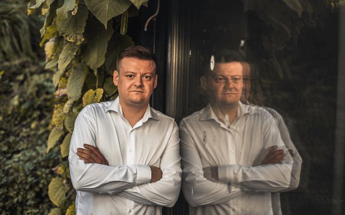 Lídrem Pirátů na jižní Moravě pro volby do PSP se stal Radek Holomčík