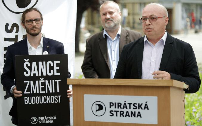 Jiří Hlavenka: Na odpapírování kraje jsme připravení. Stačí nás na to pustit!
