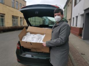 Brno daruje Dopravnímu podniku 5000 respirátorů!