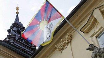 I díky Pirátům budou na radnicích vlát tibetské vlajky