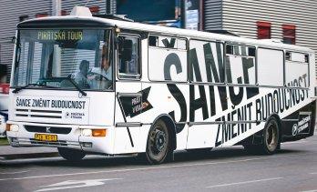 Pirátský autobus budoucnosti projede Libereckým krajem 19. a 20. srpna