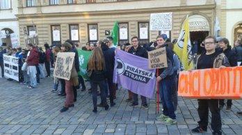 Jak olomoučtí Piráti navštívili demonstraci Dělnické mládeže