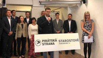 Spojujeme síly! Zahájení kampaně Pirátů a Starostů před volbami do zastupitelstev obcí 2018 vOlomouci
