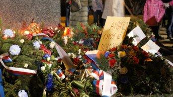 Sametový kvíz, setkání u Masaryka či návrat na místo činu. Piráti v Olomouckém kraji vzpomínali na 17. listopad