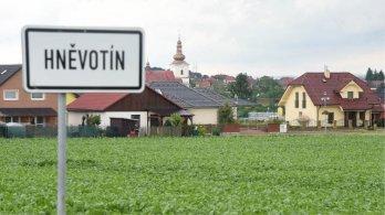 Orná půda v Hněvotíně bude dále sloužit zemědělcům