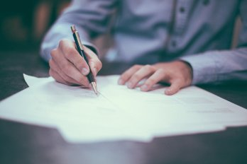 Otázky a odpovědi na dotaz o peticích