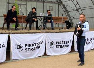 Piráti ve Středočeském kraji zahájili ostrou fázi kampaně do Eurovoleb